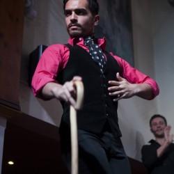 Antonio Ojeda bailando por Tangos en el espetáculo flamenco de El Patio Sevillano