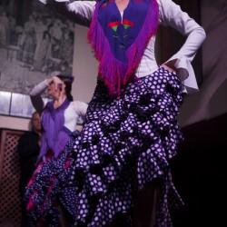 Macareca Paraches bailando en el espectáculo flamenco de El Patio Sevillano